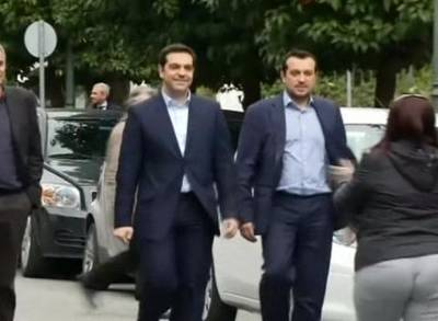 News video: Tsipras Enters PM's Office for First Time